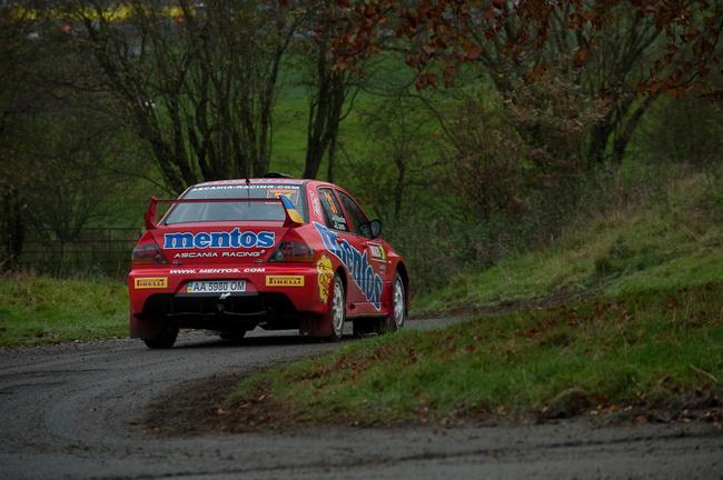 """В олтчие от местных или """"бывалых"""" в Англии пилотов украинцы предпочли как следует потренироваться перед одной из самых сложных гонок в календаре WRC"""