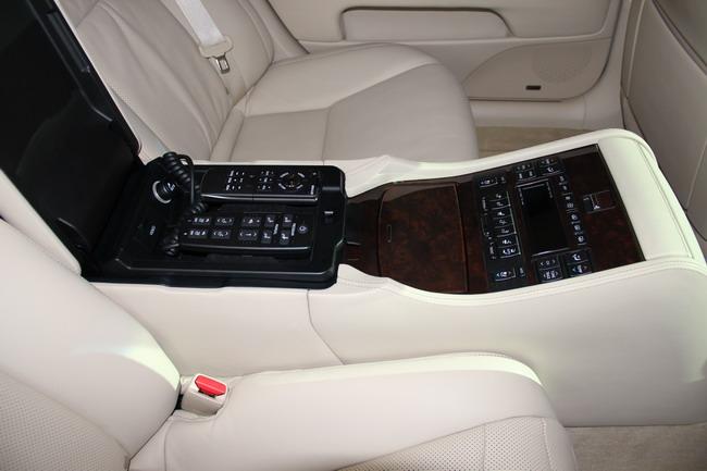тест-драйва нового Lexus LS в Каннах