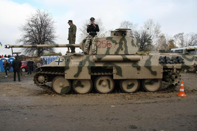 Военно-исторический фестиваль «Даешь Киев»: РV «Пантера»
