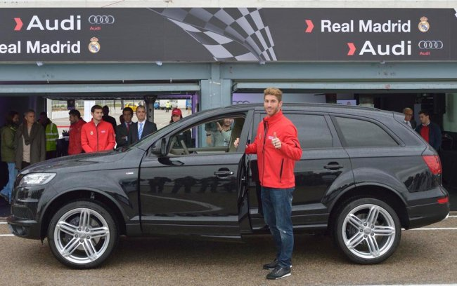 Автомобили футболистов Реала