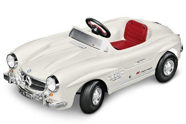 коллекция подарков Mercedes