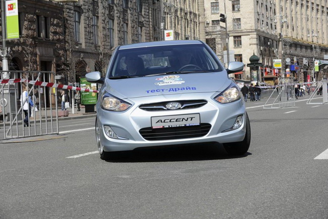 Hyundai обновит модель Accent