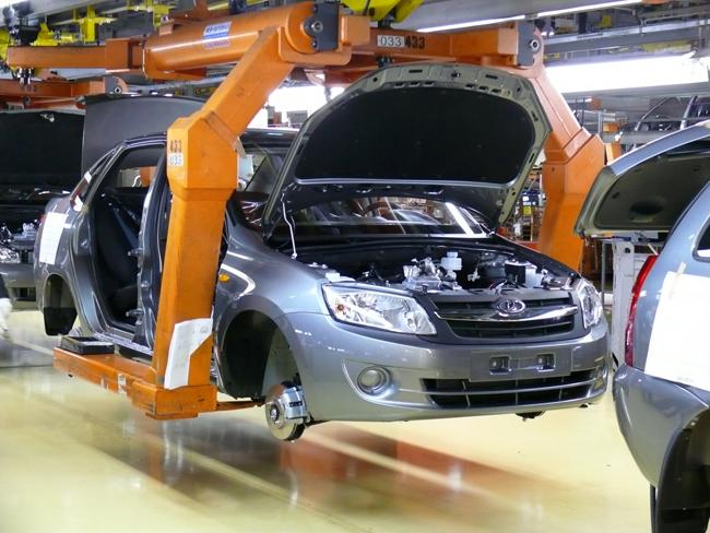«АвтоВАЗ» до конца ноября приостановил выпуск Lada Granta и новой Lada Kalina