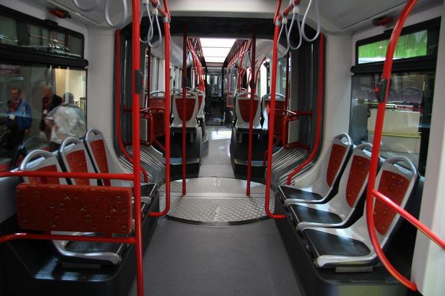 Автосалон Busworld Kortrijk: презентован гибрид автобуса и трамвая
