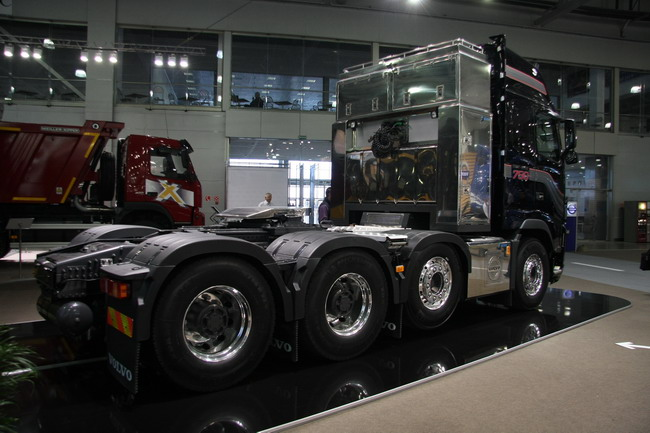 тягач Volvo FH16-750