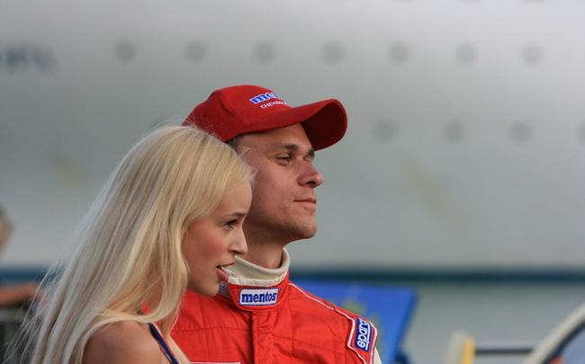 За последние пять лет из-за травмы плеча Александр Салюк-младший впервые не претендует на титул Абсолютного Чемпиона Украины по ралли!