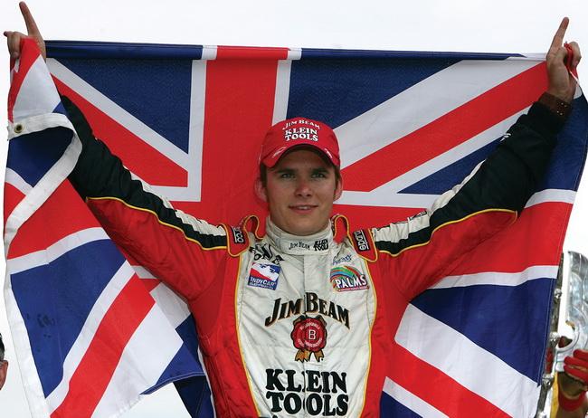 """Ден Вэлдон в 2005-м году стал Чемпионом в """"Индикаре"""" и победи в """"Инди-500"""""""