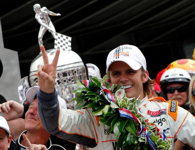 """Ден Вэлдон в 2011-м году при невероятных условиях будучи безработным одержал свою вторую победу в """"Инди-500"""""""