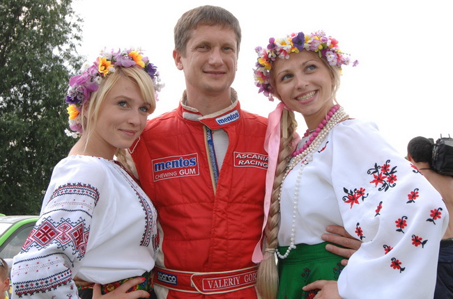 На сегодня Валерий Горбань лидирует в Чемпионате Украины по ралли и занимает третье место в зачете Чемпионата Мира P-WRC