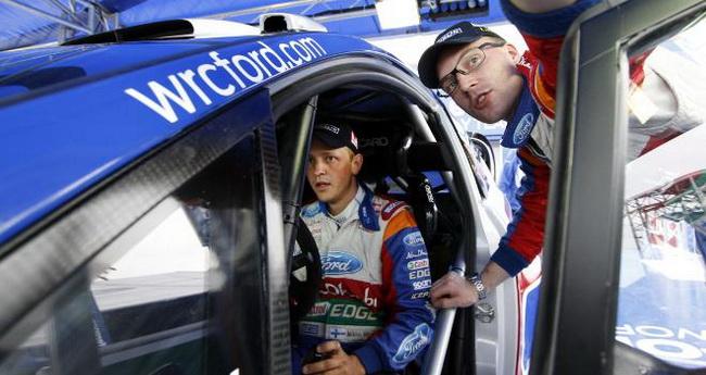 Яри-Матти вновь, уже в какой раз, оказал серьезную услугу Микко, только почему-то в Ford это происходит тихо и без нервов и шумихи Citroen...