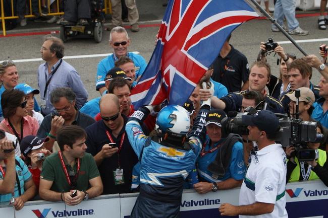 В начале сезона 2011 Роб Хафф одержал пять побед, включая дубль в Монце и уверенно лидировал в Чемпионате