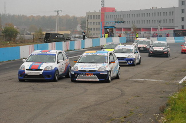Чемпионат Украины по кольцевым гонкам - праздник автоспорта!