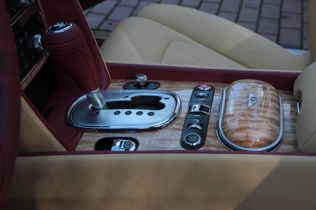 Новый кабриолет Bentley Continental GTC V8