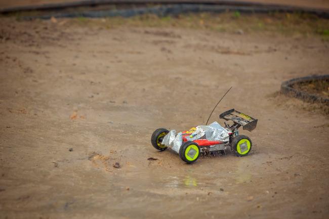 гонки радиоуправляемых моделей машин