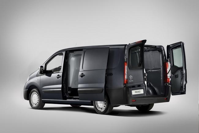 Новая Toyota ProAce заменит прежний HiAce