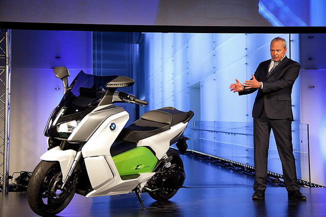 Штефан Шаллер представил BMW C evolution – первый серийный электрический скутер