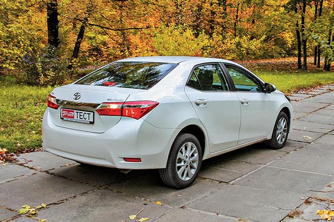 Тест-драйв Toyota Corolla 1.6 CVT