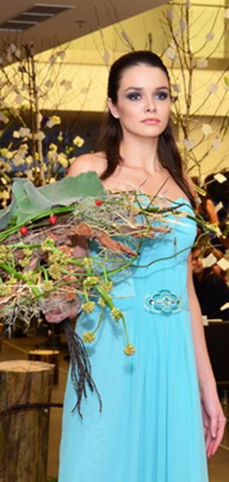 Показ «Floral Revolution»