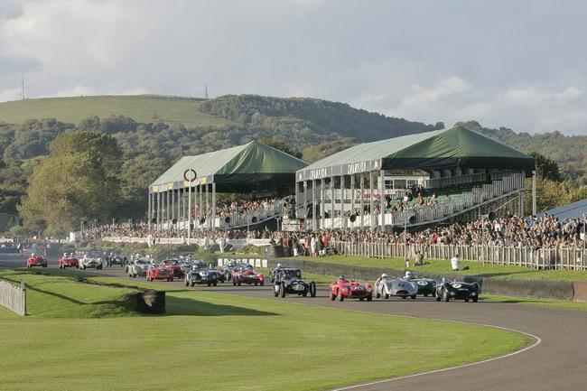 В британском Гудвуде прошел автомобильный фестиваль Goodwood Revival