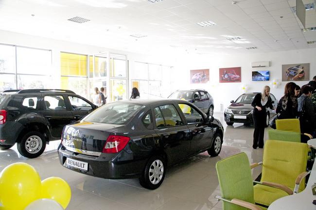 В Чернигове открылся новый автосалон Renault