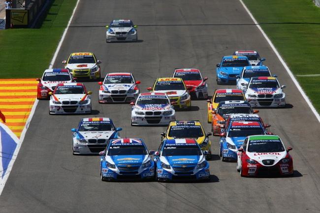 WTCC в Валенсии, старт первой гонки