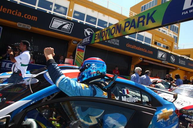 WTCC в Валенсии, Иван Мюллер побелил в обоих гонках