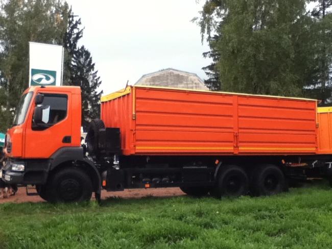 На выставке «Агро-2012» широко представлена автомобильная техника, которая призвана служить сельскому хозяйству
