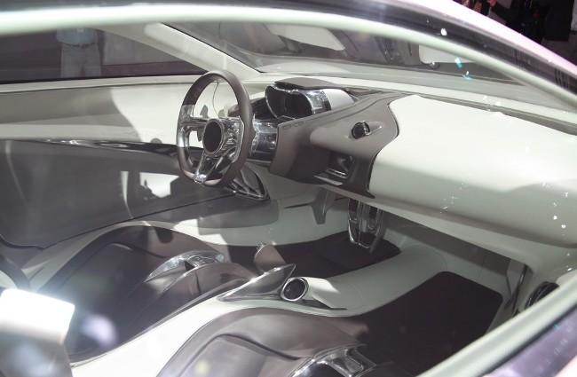 спорткар Jaguar C-X75