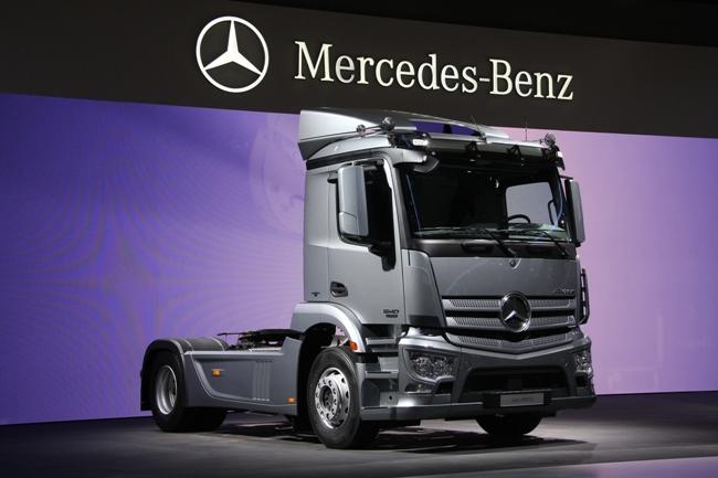 Выставка в Ганновере 2012: грузовик Mercedes-Benz Antos