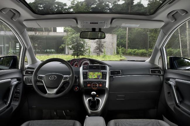 Автосалон в Париже 2012: новый Toyota Verso