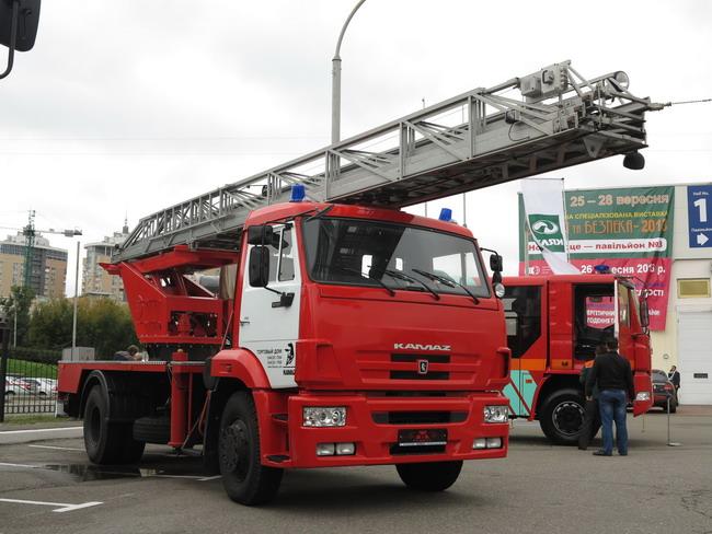 Пожарная автолестница АЛ-30
