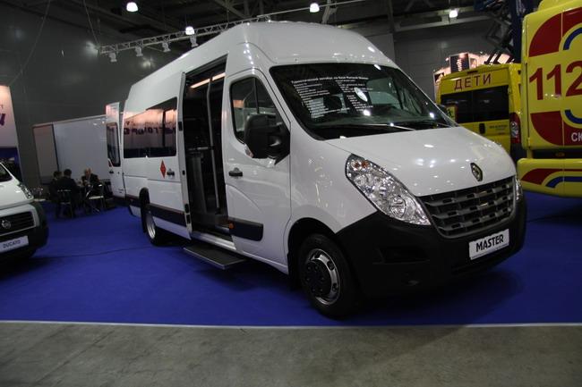 микроавтобус на шасси Renault Master