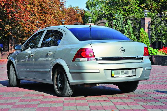 Сравнительный тест-драйв Opel Astra (Н)