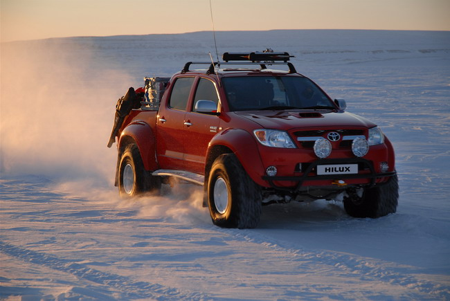 Toyota Hilux по дороге к Северному полюсу
