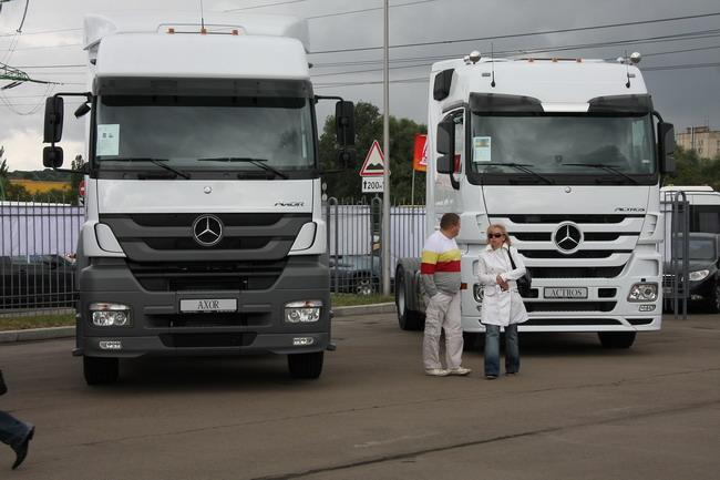 Грузовики Mercedes представляет в Украине одна из структур корпорации УкрАвто.