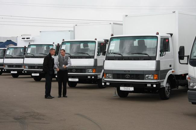 Малотоннажные грузовики Тата в экспозиции коммерческой техники.