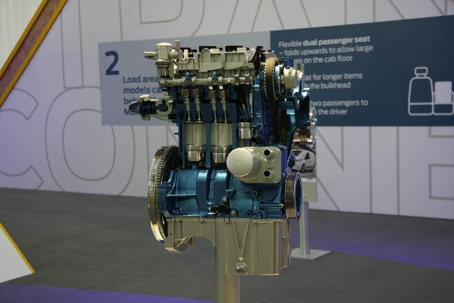 тест-драйв нового автомобиля Ford Transit Сonnect