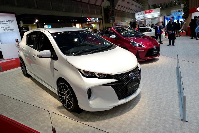 Автошоу в Токио 2013: новые Toyota Aqua
