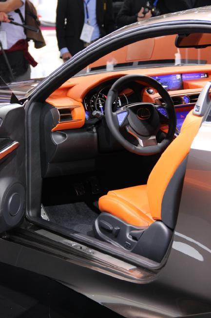 Lexus LF-CC 005