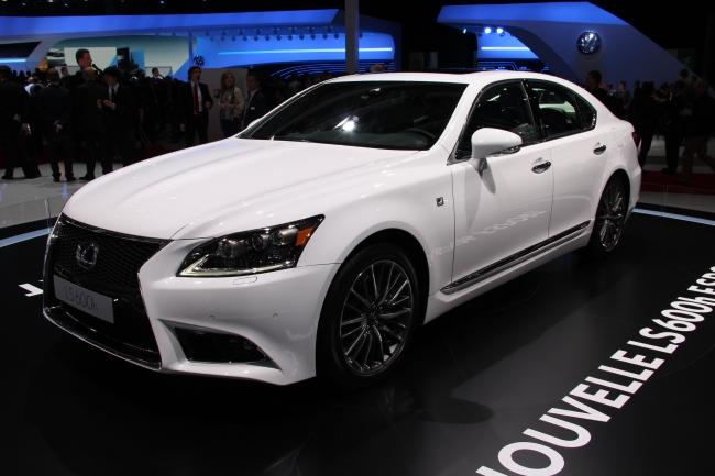 Lexus LF-CC 006