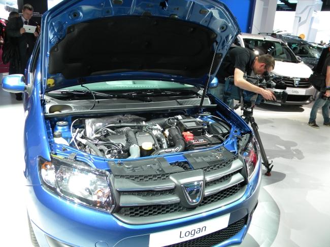 Парижский автосалон 2012: обновленные Renault Logan, Sandero и Sandero Stepway