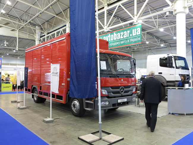 Выставка TIR 2012: грузовые автомобили mercedes-benz