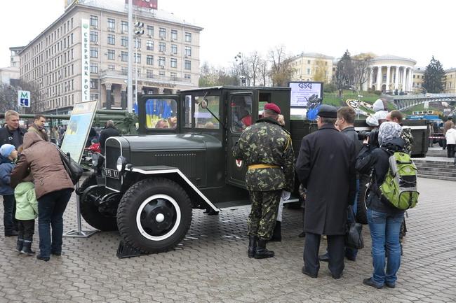 Выставка военной техники в Киеве: ЗИС-5