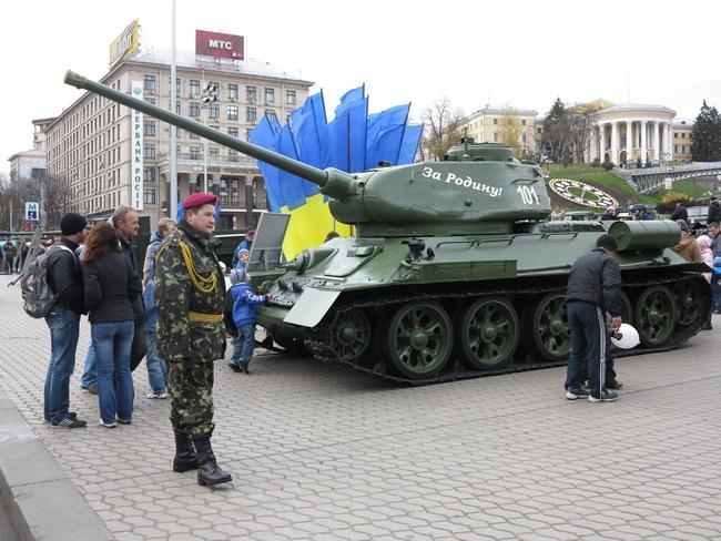 Выставка военной техники в Киеве: Т-34