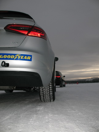 Зимние шины Goodyear UltraGrip Ice 2