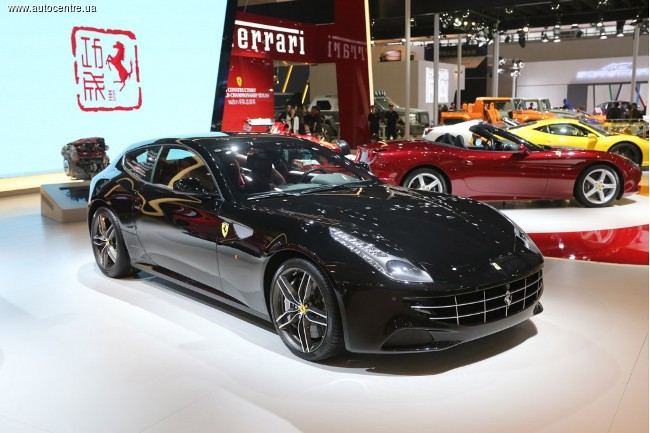 Ferrari в Китае отмечает год лошади