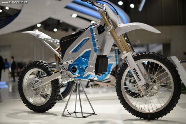 Мотоциклы Yamaha переходят на электротягу