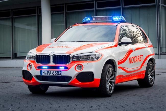 Кроссоверы BMW на выставке RETTmobil show