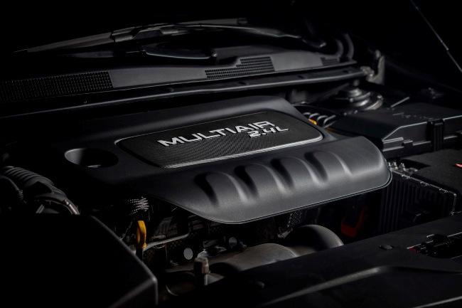 Chrysler продал 10000 авто модели 200 за сутки