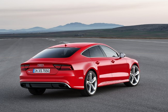Audi RS7 стала похожа на скромных родственников